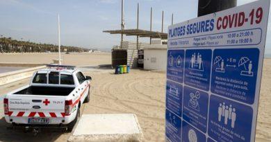 COVID-19: La labor de las enfermeras en las playas este verano